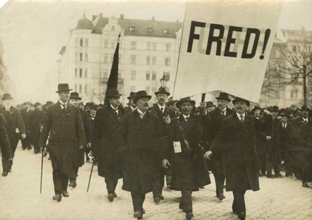 Manifestation-pour-la-paix-Amsterdam-1917
